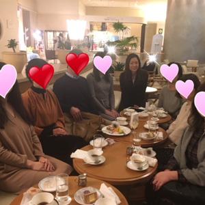 お茶会やパーティー、交流会で出会いの場を提供